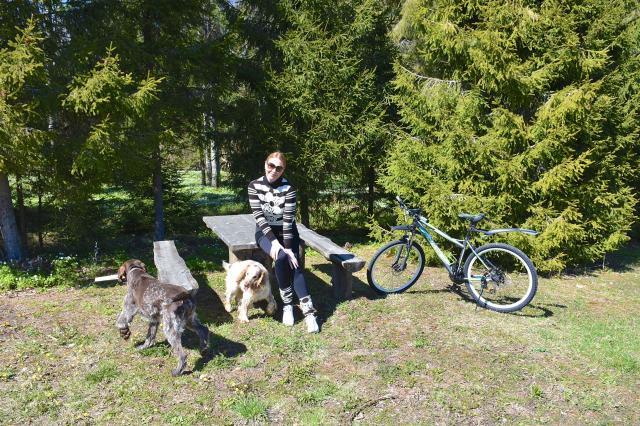 Певица Варвара открыла велосипедный сезон