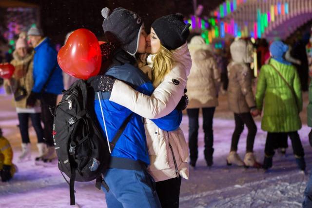 Как интересно отметить День всех влюбленных?