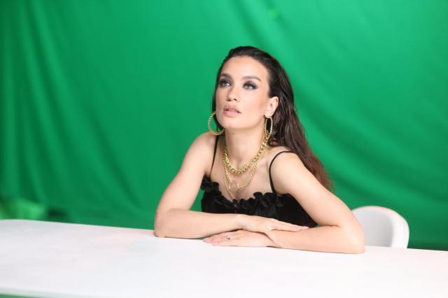 Виктория Дайнеко представила клип на песню Михаила Гуцериева