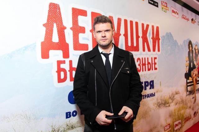 Владимир Яглыч, Роман Попов и другие гости премьеры «Девушки бывают разные»