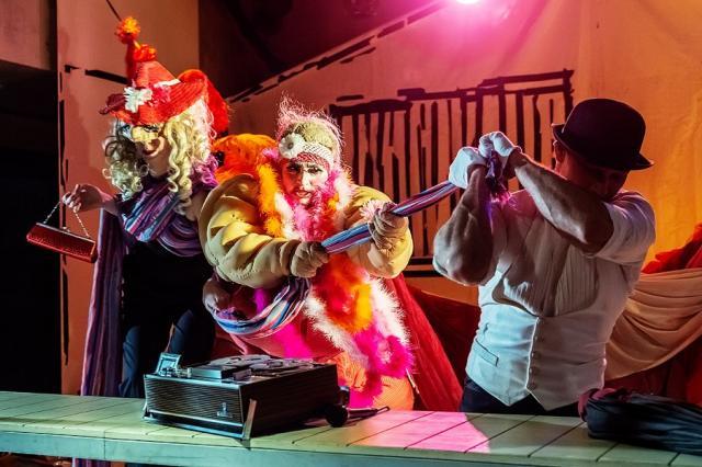 Артисты театра С.А.Д. встретят весну со спектаклем «Вся жизнь впереди»