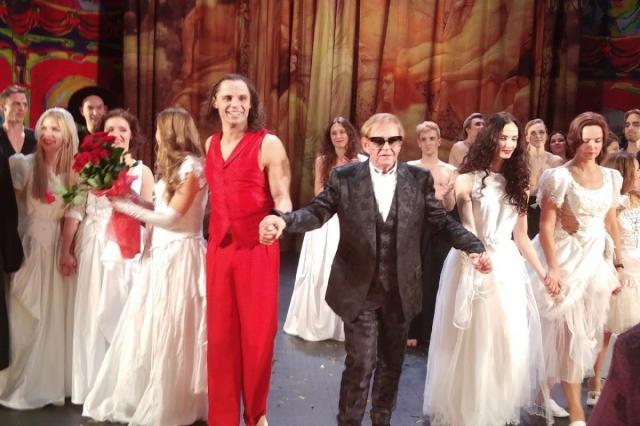 «Театр должен быть аристократичен, а аристократичен - значит качественен...» Роман Виктюк отмечает День рождения!