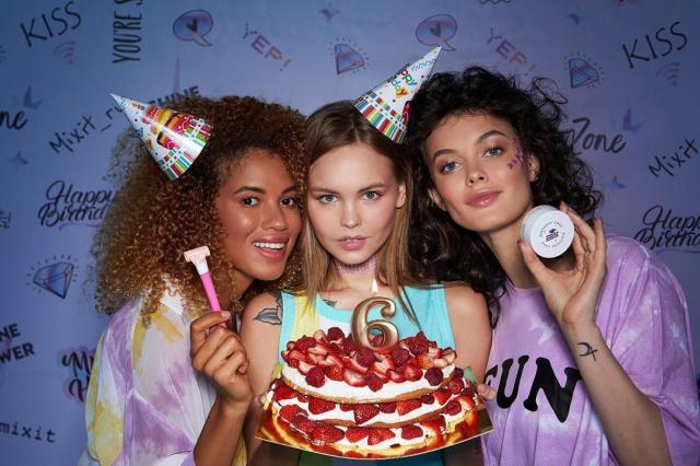 Акции, подарки, кулинарные мастер-классы и многое другое: MIXIT с размахом отмечает День рождения!