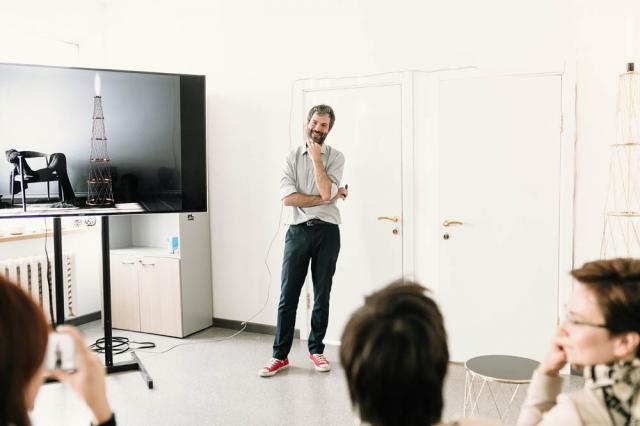 В Москве презентовали лимитированную коллекцию мебели и светильников Radio Lamp, вдохновленную идеями Владимира Шухова