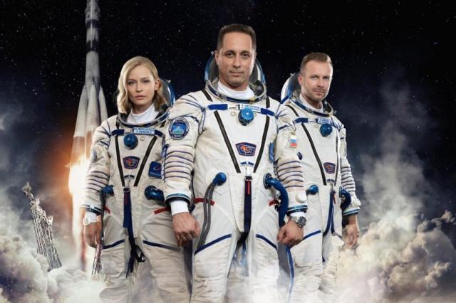 Юлия Пересильд и Клим Шипенко в Космосе: трансляция запуска пилотируемого корабля «Союз МС-19»!