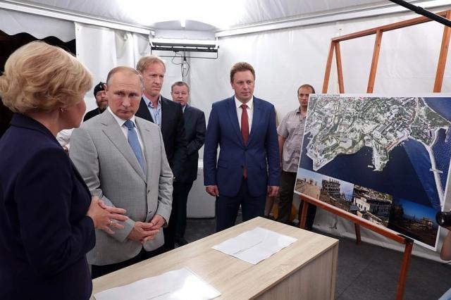 Владимиру Путину представлен проект музейного и театрально- образовательного комплексов в Севастополе