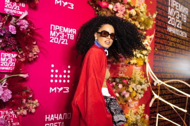 Zivert стала «исполнительницей года» по версии премии МУЗ-ТВ