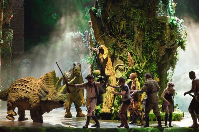 «Затерянный мир» на сцене театра «Модерн»