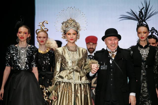 Вячеслав Зайцев покажет в Эрмитаже более 100 костюмов, созданных им за 30 лет