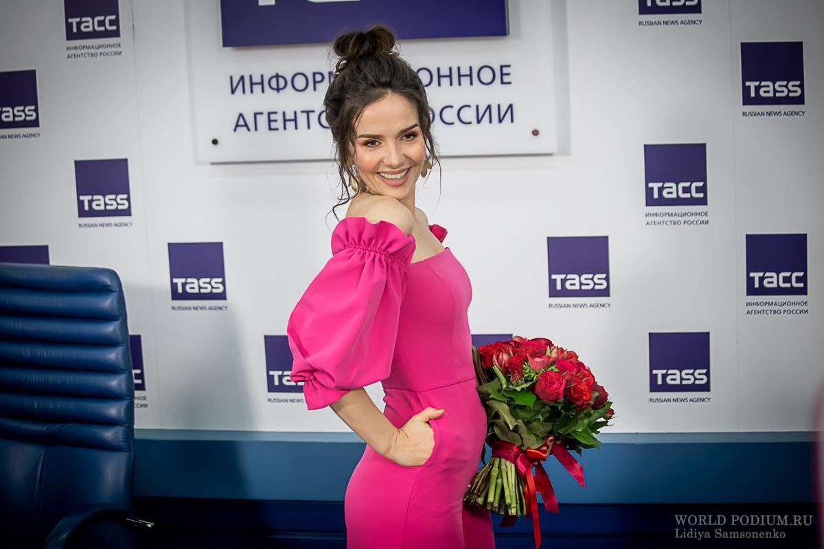 Наталия Орейро рассказала о духовной связи с Россией, получении Российского гражданства и о карантинных буднях