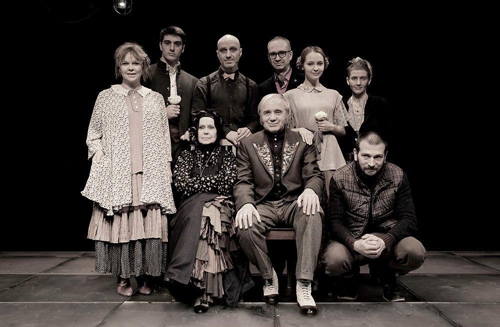 Самобытная и своенравная «Не всё коту масленица» на сцене Театра им. Моссовета