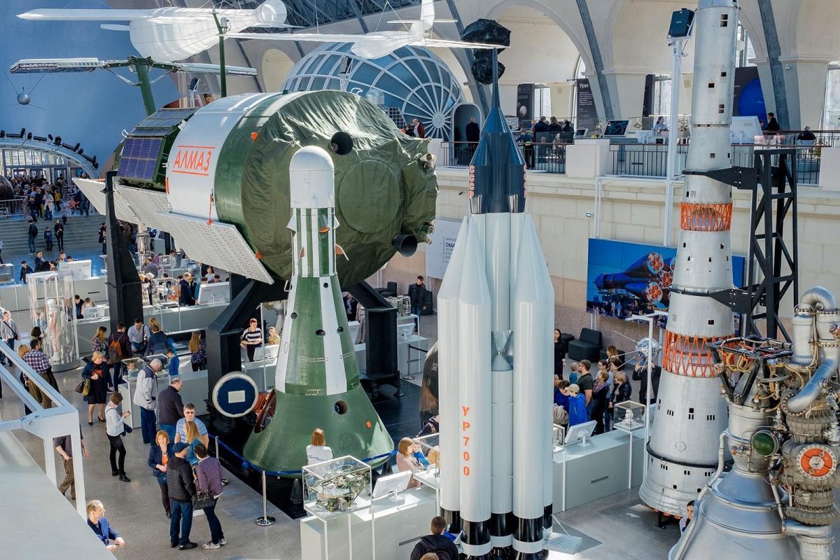 Около 100 тысяч человек приняли участие во Всемирной неделе космоса на ВДНХ