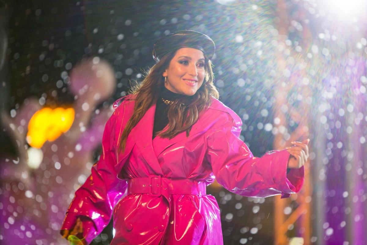 Звезды приглашают провести новогодние каникулы на ВДНХ