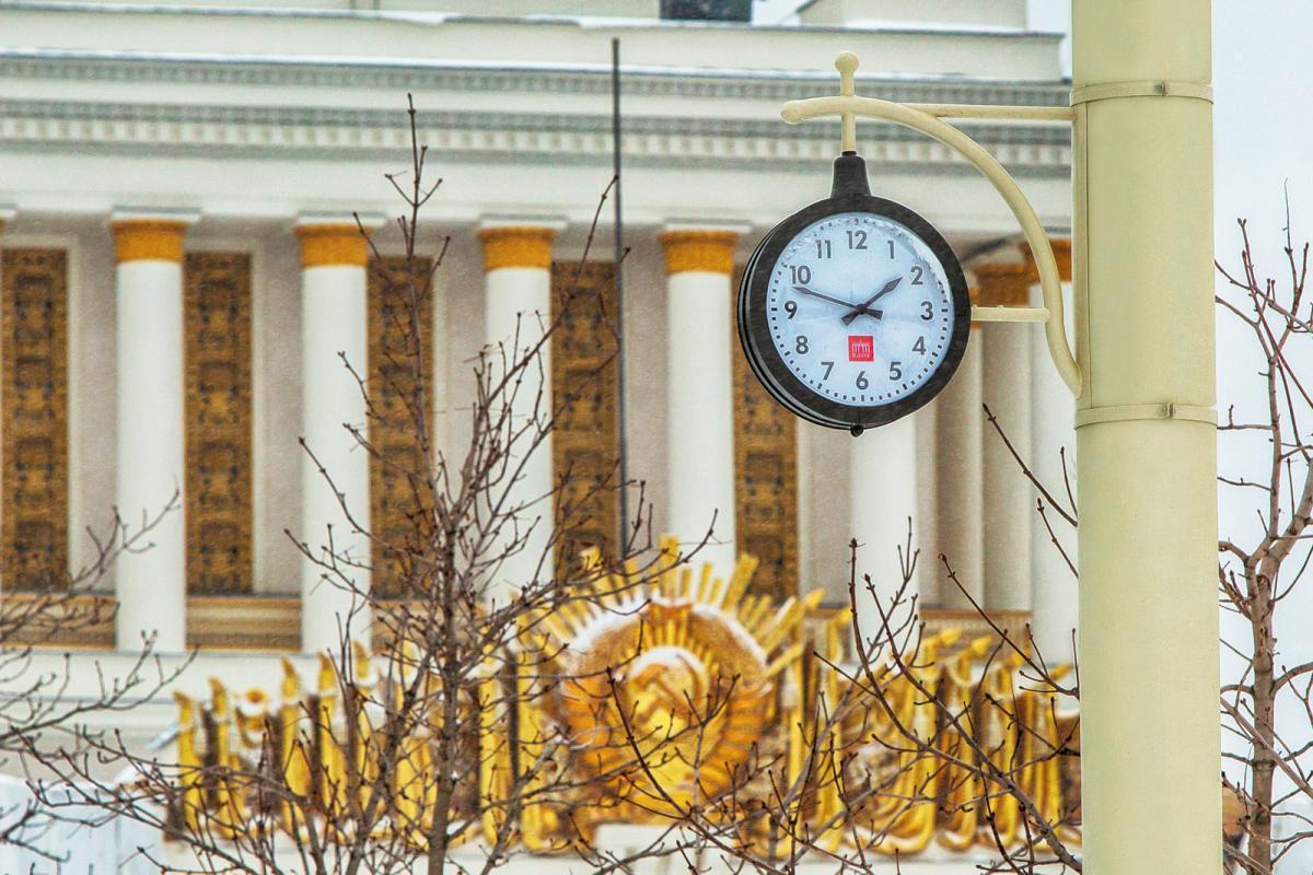 Время назад: на ВДНХ вернулись уличные часы