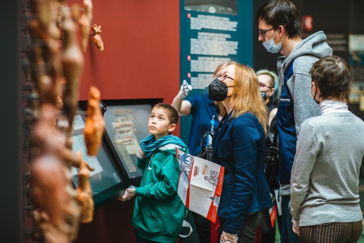 Бесплатная экскурсия «История на бересте» в Центре славянской письменности «Слово» на ВДНХ