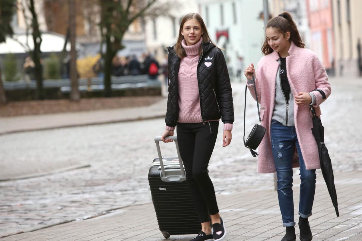 На стыке романтики и гранжа: новая коллекция «Зефир» для девочек 11–15 лет от бренда Gulliver