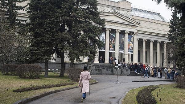 """В Москве откроется выставка """"Лиза и ландыши"""""""
