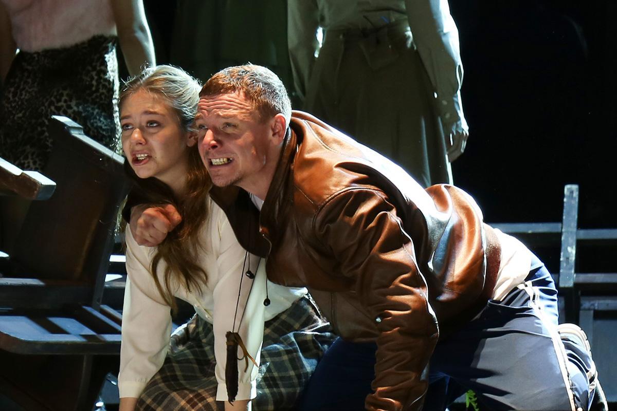 «Чувства - как теорема, они не требуют доказательств», - премьера спектакля «Тиль» в Театре на Малой Бронной