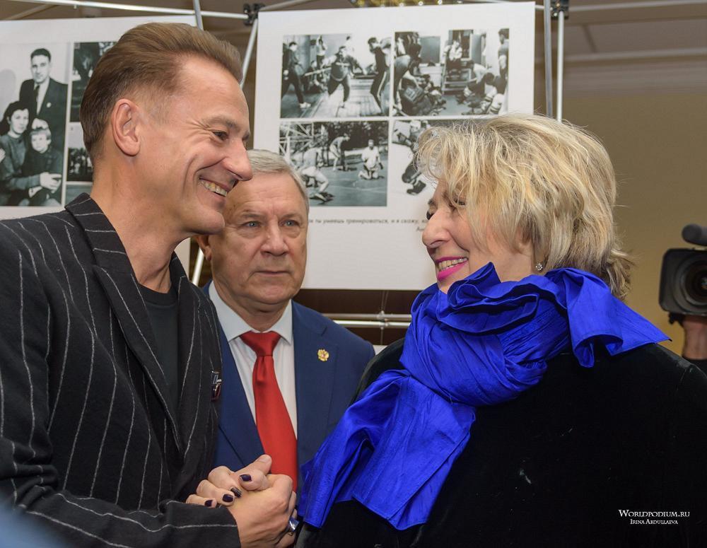 «В хоккей играют настоящие мужчины!» - открытие выставки в честь 100-летнего юбилея Анатолия Тарасова