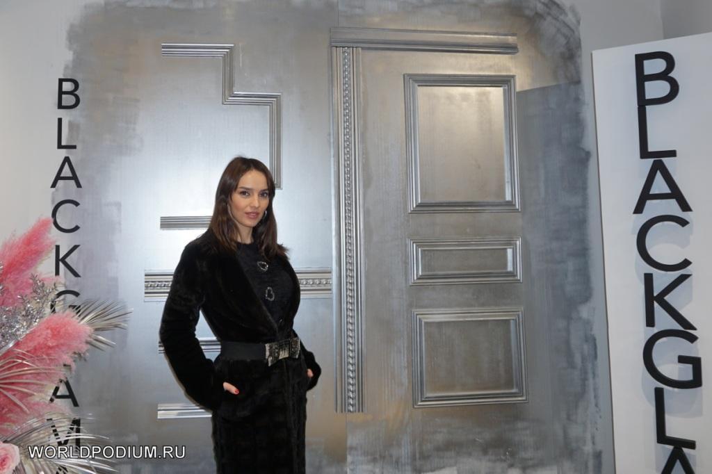 Российские знаменитости примерили раритетные меха на юбилее Blackglama в ГУМе