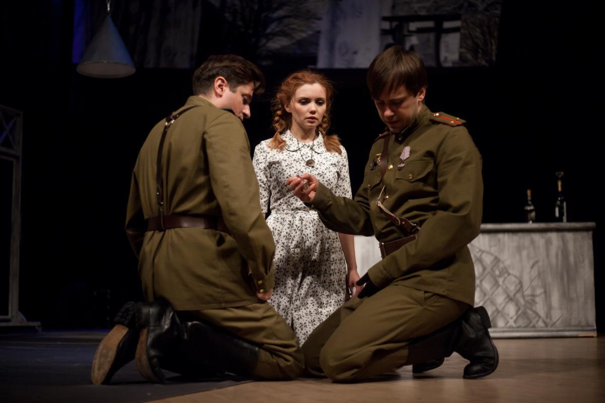 «Не бойся быть счастливым», - «Мой бедный Марат» вновь на Московской сцене