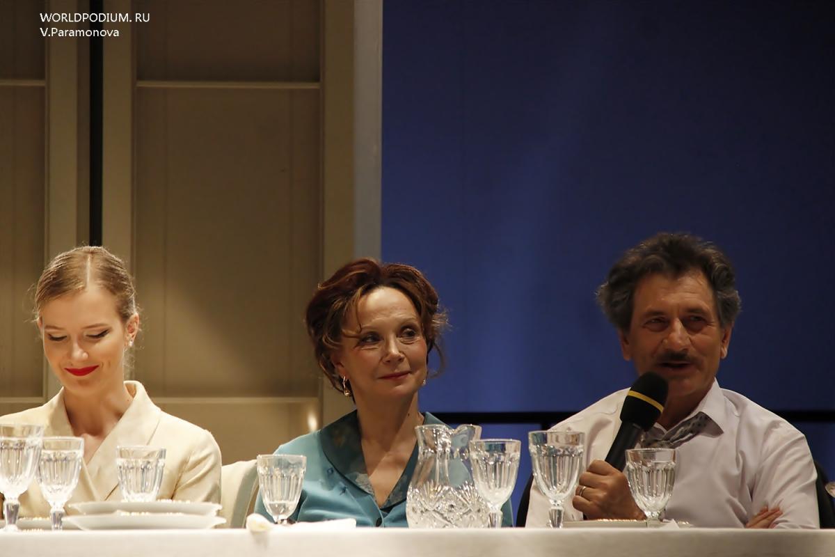 «Суббота, воскресенье, понедельник» - жаркие итальянские страсти на сцене Театра им. Вахтангова!