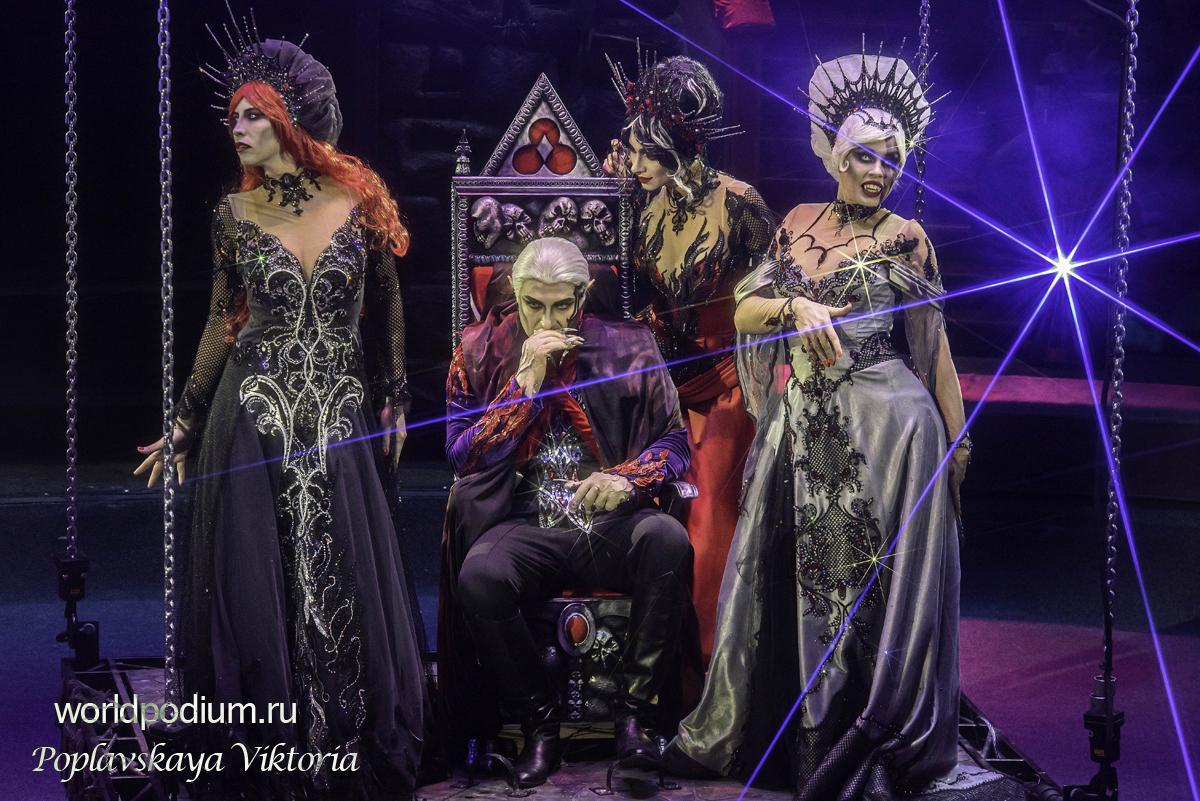 «Нам предстоит стоять до конца в этот тревожный час!» - на манеже Большого Московского Цирка представили шоу «Раз, два,… четыре, пять»