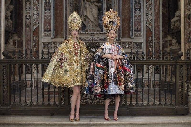 Dolce&Gabbana провели показ на улицах Неаполя