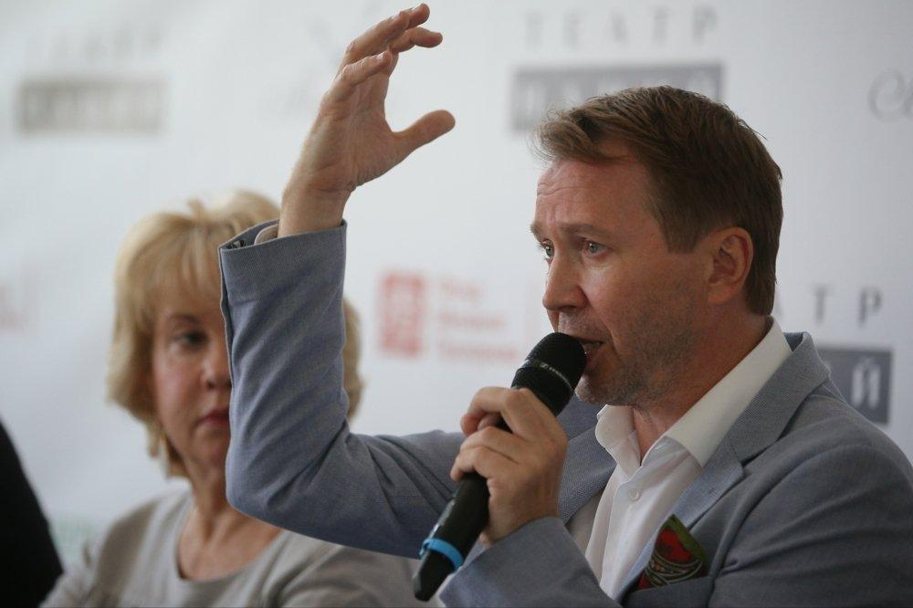 Евгений Миронов объявил планы Театра наций на сезон