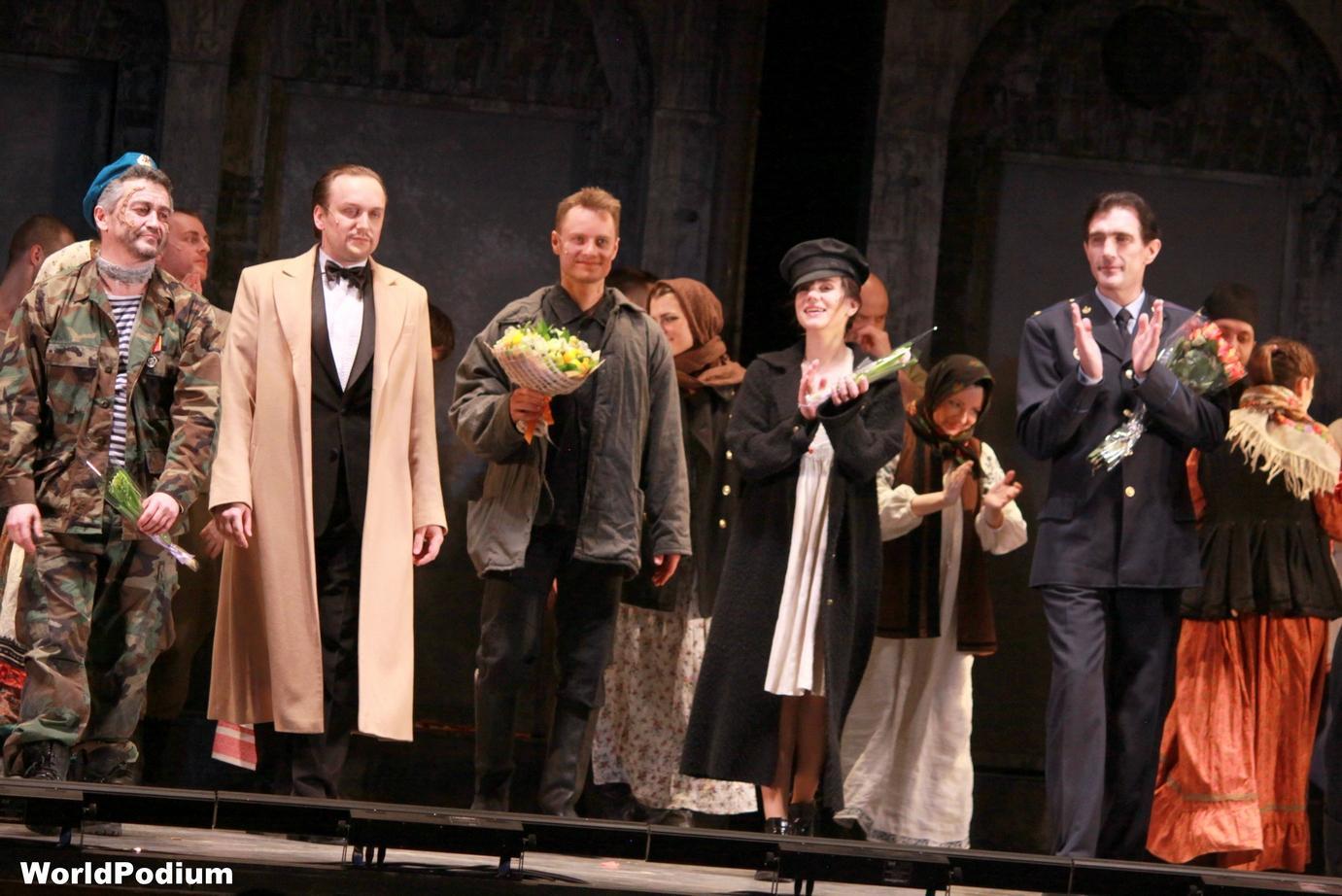 «Преступление и наказание» в Театре Мюзикла: «Сто законов, а много ли прока?..»