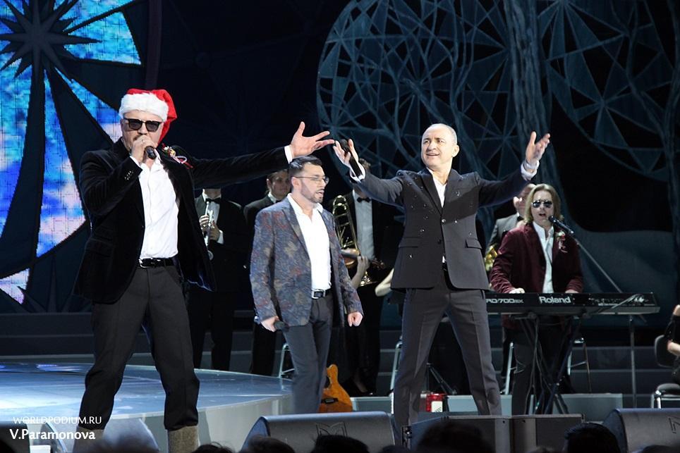 Новогоднее шоу «Хора Турецкого» на главной сцене страны