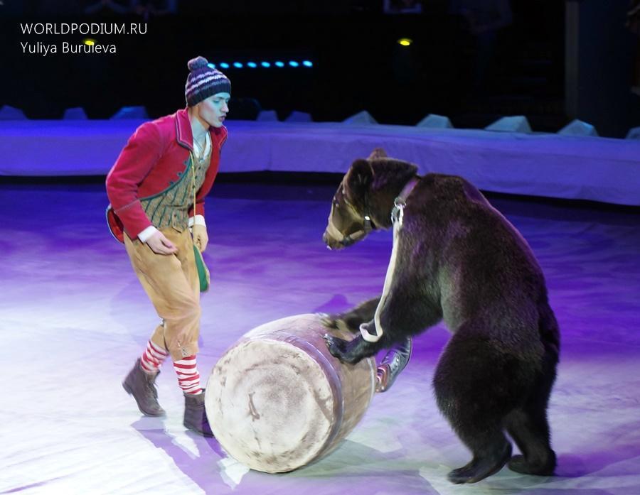 Олег Александров в программе «Легенды цирка»