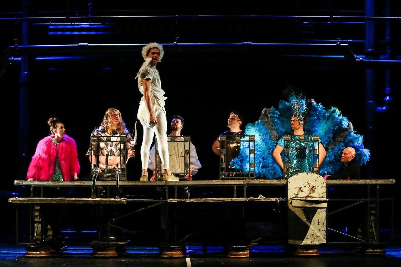 Эротичная, энергичная, эксцентричная, эффектная и элегантная феерия - «Ladies' Night . Обновление»!