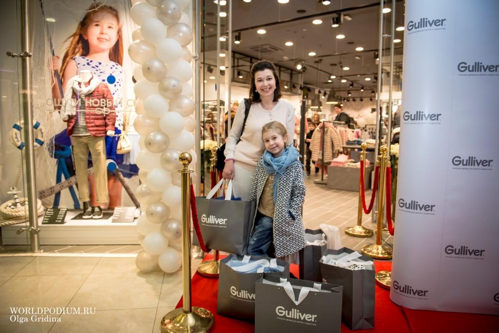 Поздравить Gulliver с открытием крупнейшего магазина пришли блогеры и звездные родители