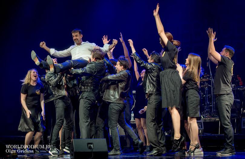 «Певцов-Театръ» креативно поздравил Дмитрия Певцова с юбилеем!