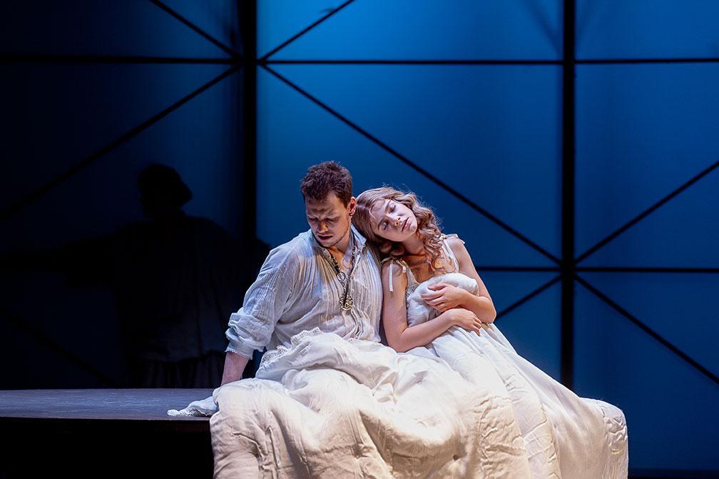 Театр имени Пушкина приглашает на трёхлетие спектакля «Влюбленный Шекспир»!