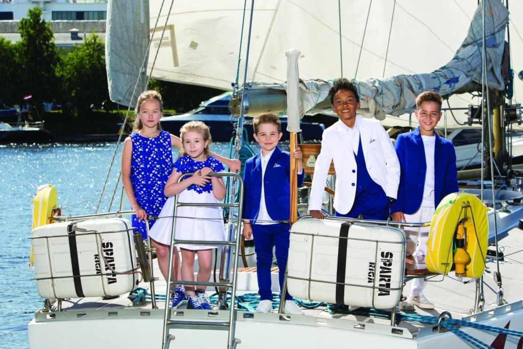 Глубокий синий и безупречно белый: бренд Gulliver представил праздничную коллекцию в цветах Лазурного Берега