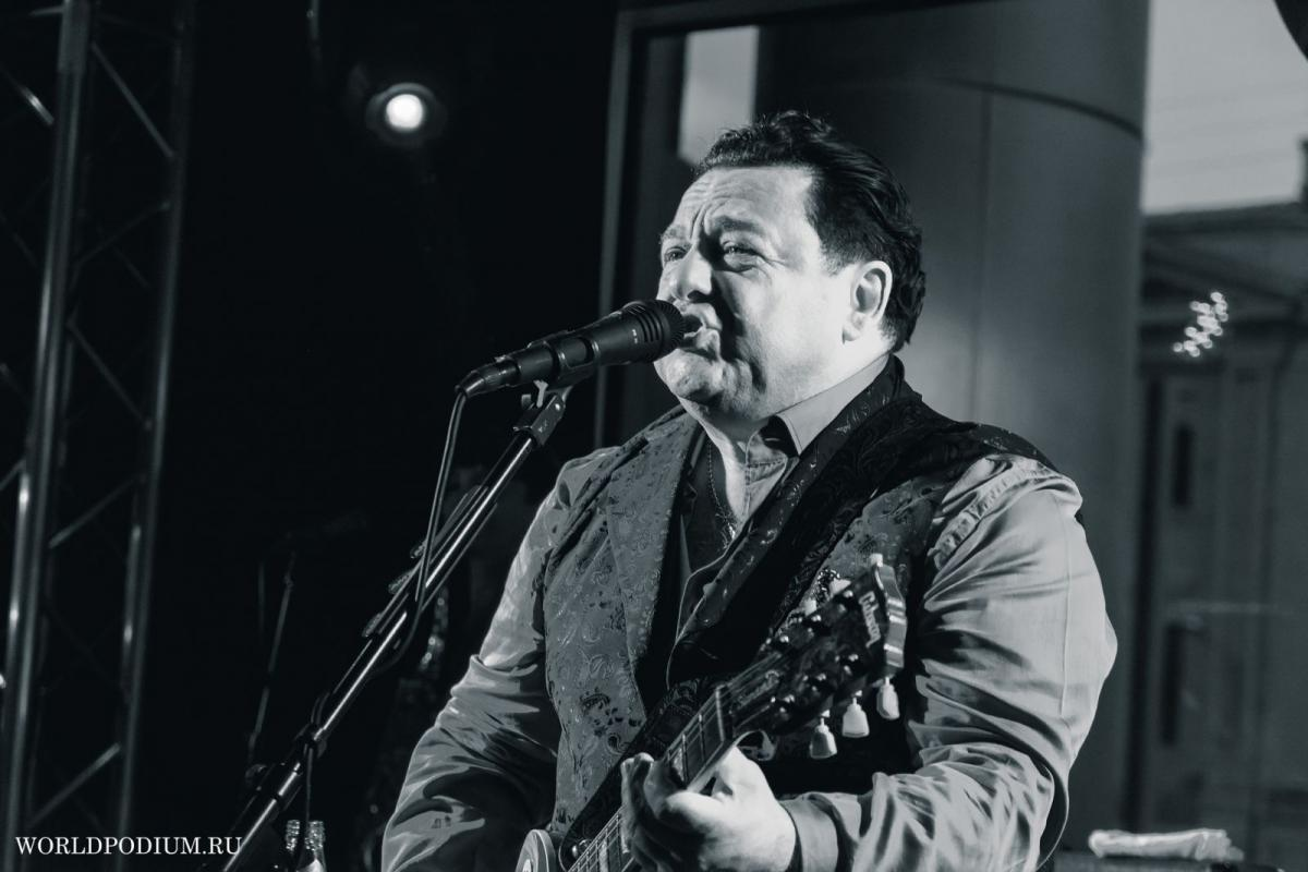 Онлайн-концерт Игоря Саруханова на Радио Шансон