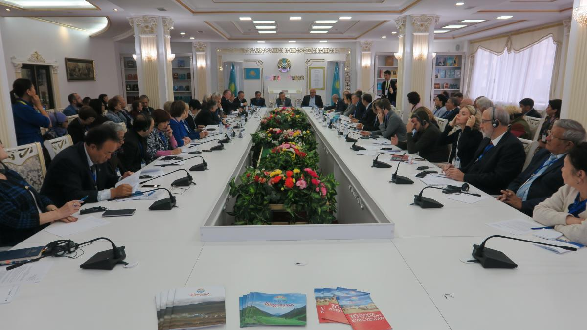 Посольством Киргизии в Казахстане проведен круглый стол к 90-летию Чингиза Айтматова