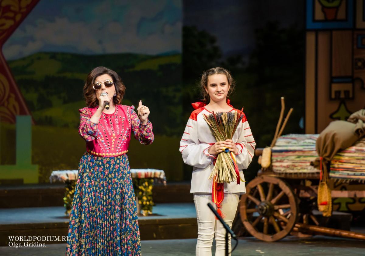 Марина Девятова и Диана Гурцкая рекомендуют фестиваль «FOLK БЕЗ ГРАНИЦ»