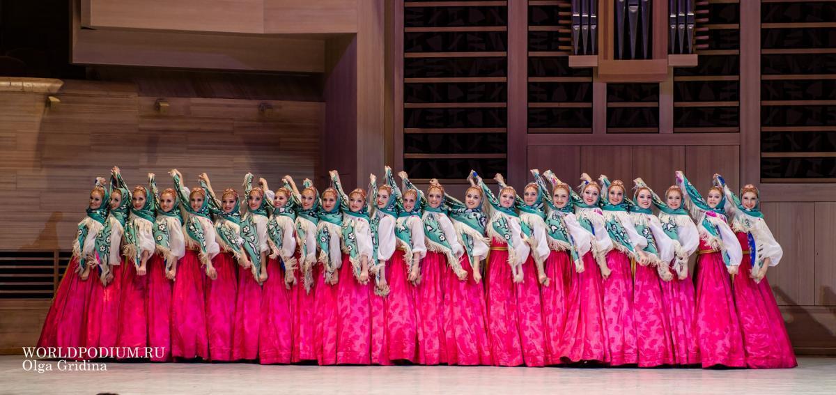 Государственный академический хореографический ансамбль «Березка» поздравляет с Днём Победы!