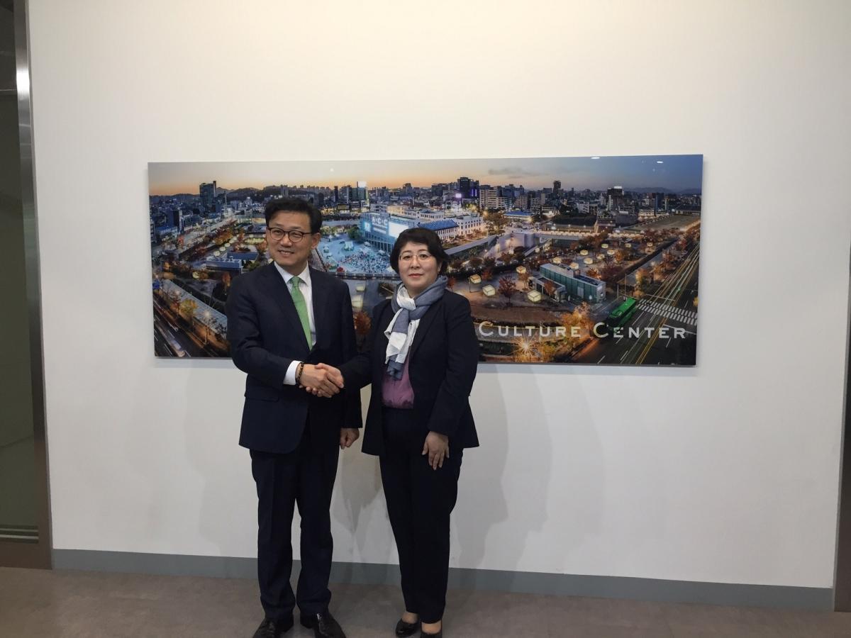 """В Республике Корея открылась выставка, посвященная эпосу """"Манас"""""""