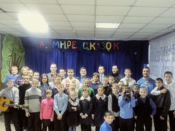 В Забайкалье известный писатель посетил школу- интернат
