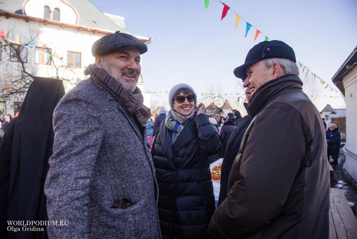 Студенты Института Современного Искусства отметили праздник Масленицы в Дмитровском Подворье