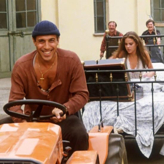Пятый канал встретит 2020 год «Новогодней дискотекой» и комедиями с Челентано
