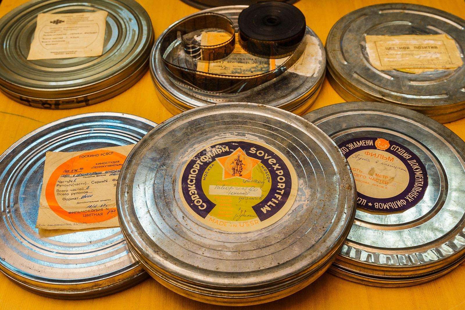 Около 100 кинопленок с образовательными фильмами обнаружено в исторических павильонах ВДНХ