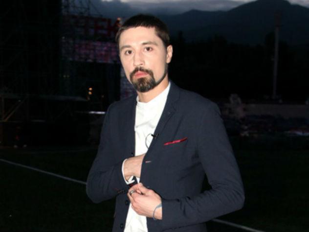 Дима Билан на «Мустанге» рассекает по Москве