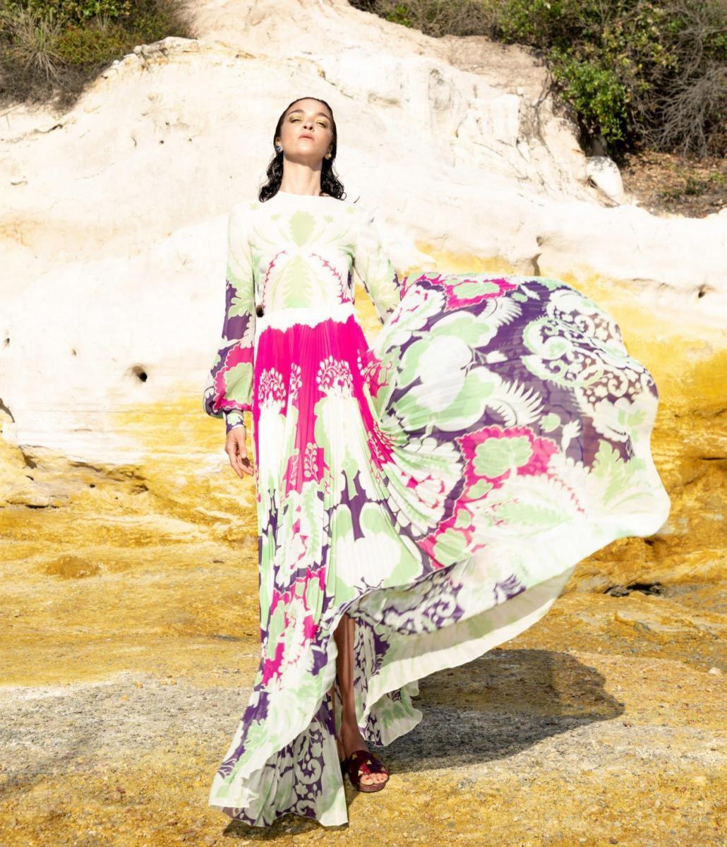 В коллекции Valentino распустились весенние цветы