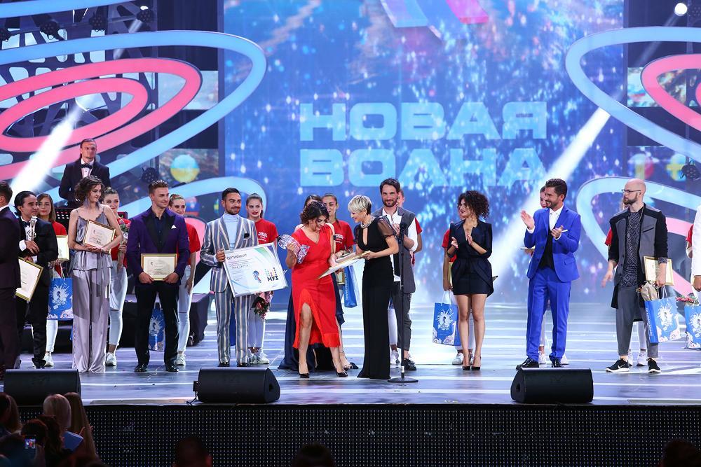 """Исполнительнице с Кубы пришлось трижды выходить на сцену на конкурсе """"Новой волны""""."""