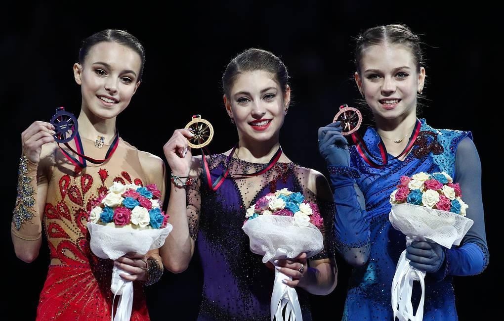 Алена Косторная, Анна Щербакова, Александра Трусова: Российские фигуристки заняли весь пьедестал в финале Гран-при